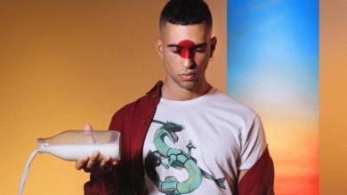 """Photo of Mahmood vince Sanremo con """"Soldi"""": di cosa parla la sua canzone?"""