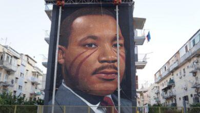 """Photo of """"I have a dream"""": il nuovo murales di Jorit Agoch"""